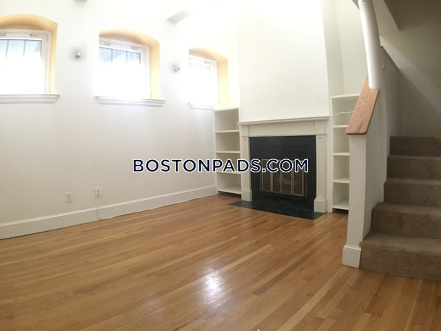 AWESOME SPACIOUS 1 BED 1.5 BATH UNIT IN FENWAY $2,300 - Boston - Fenway/kenmore $2,300